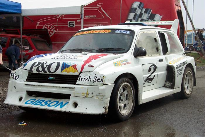 Lawrence Gibson's Metro 6R4 being cleaned between Heats at MSA Rallycross at Lydden 0n Easter Monday 28-03-05