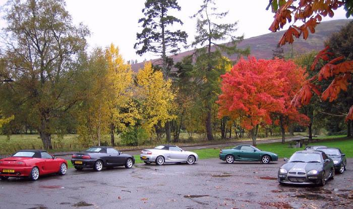 A great line-up of MGF's and TF's from the Central Scotland MGF group, during a blast around Stirlingshire - fantastic!!And what about those Autumn colours?