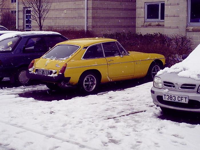 It's snowing in Wales! Surely that Inca paintwork melted the snow away?