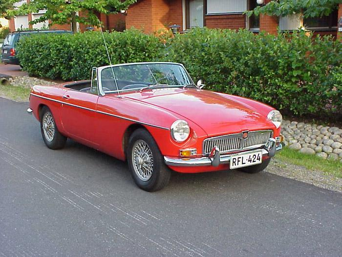A photo of my MGB taken in summer 2003 before the restoration. This car was originally an American export model.