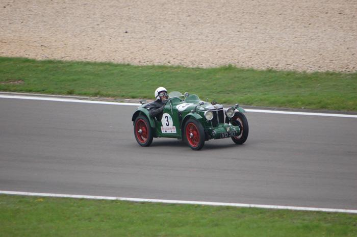 MG K2 in full flight...
