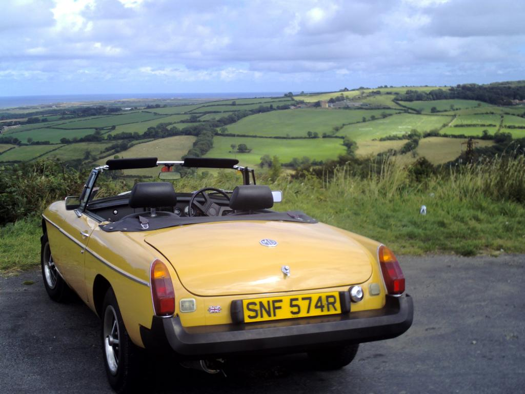 Phil Browns 1977 MGB on its first long distance run of 2008