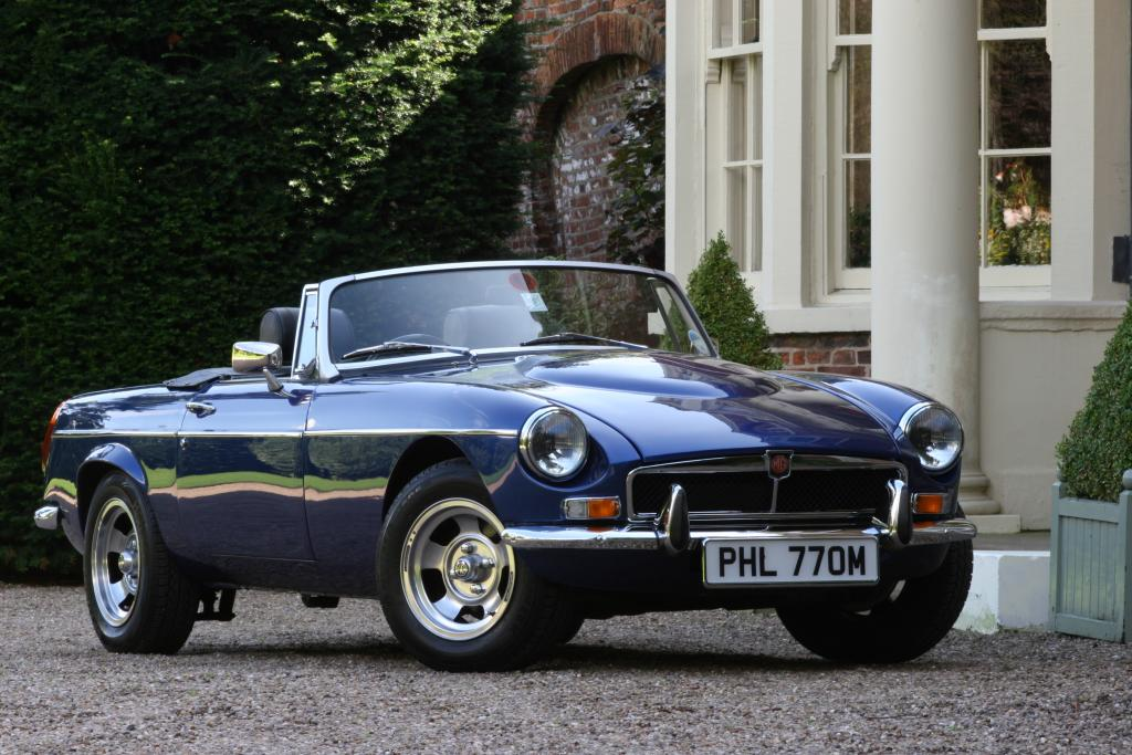 COSTELLO V8 ROADSTER BELIEVED TO BE ONE OF ONLY SIX MADE MERCEDES METALLIC JASPER BLUE BLACK LEATHER