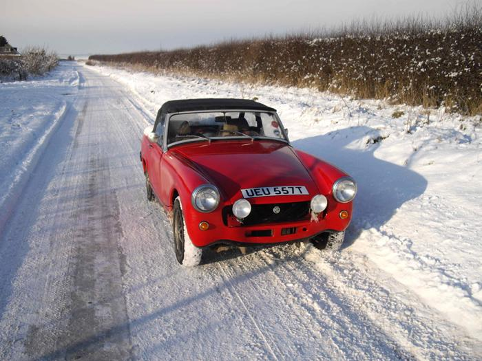 The snow didn't stop Molly.  When modern cars were lying in ditches on their roof, she just sailed by.  What a fantastic machine.