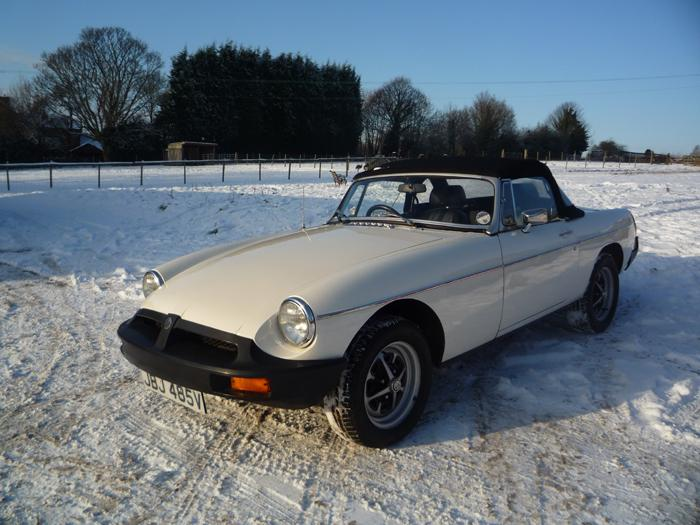 This is my 1979 MGB Roadster, taken out of its bed to have a taste of snow in the groves of its tyres.